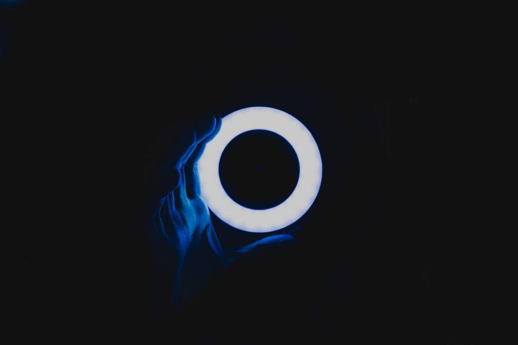 Ring light sur fond noir